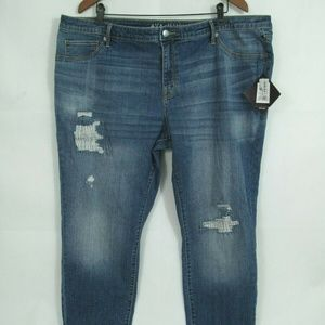 Jegging Jeans plus Distressed Sandblasted whiskers